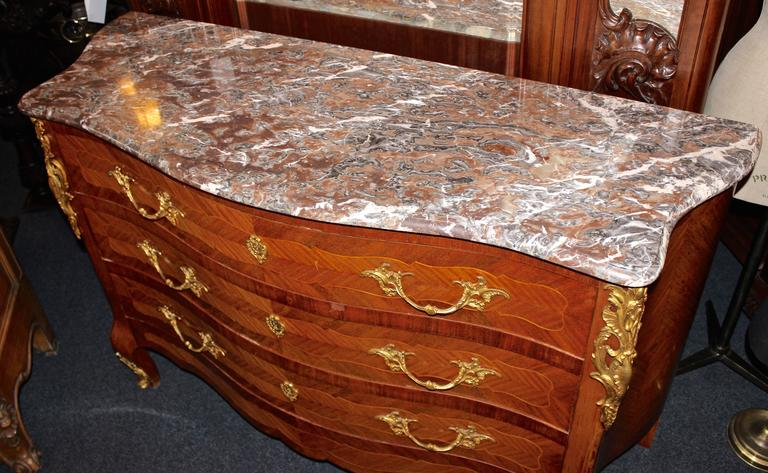 Early 20th Century French Louis XV Marble-Top Commode 5
