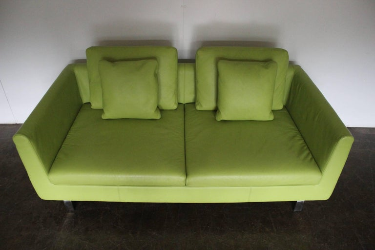 """Pair of Walter Knoll 2.5-Seat Sofa in Pristine Lime-Green """"Pelle"""" Leather 2"""