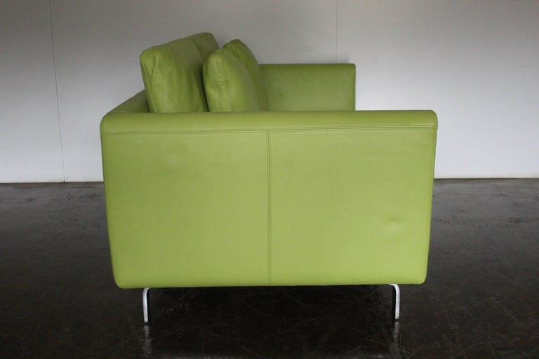 """German Pair of Walter Knoll 2.5-Seat Sofa in Pristine Lime-Green """"Pelle"""" Leather"""