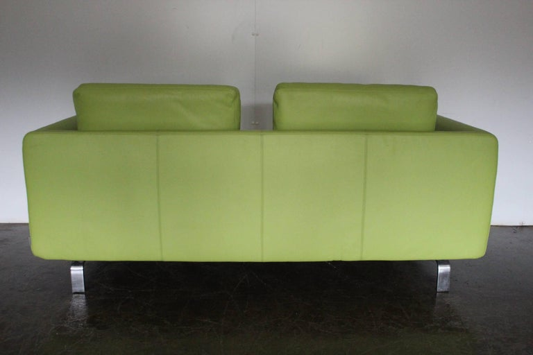 Pair Of Walter Knoll 2 5 Seat Sofa In Pristine Lime Green Pelle Leather For Sale At 1stdibs