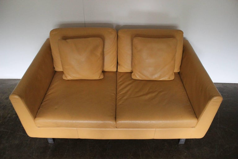 Pair of Walter Knoll Two-Seat Sofas in Pristine Pale-Tan Leather 2