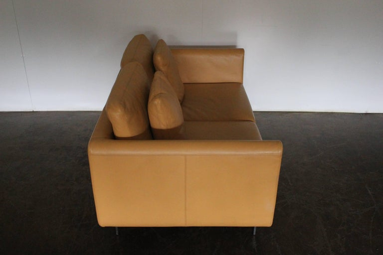 Contemporary Pair of Walter Knoll Two-Seat Sofas in Pristine Pale-Tan Leather