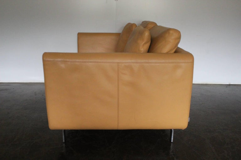 Metalwork Pair of Walter Knoll Two-Seat Sofas in Pristine Pale-Tan Leather