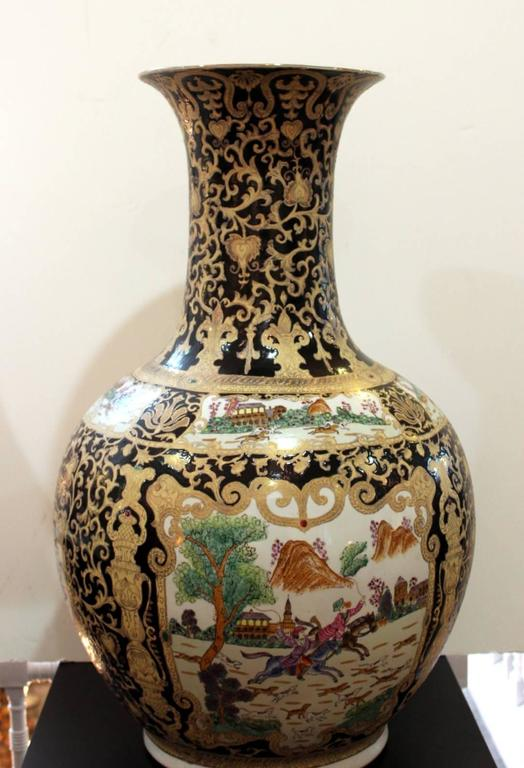Large Pair Of Chinese Porcelain Bulbous Floor Vases At 1stdibs