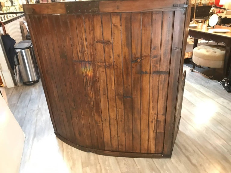 19th Century Pine Settle Bench In Excellent Condition For Sale In Lambertville, NJ