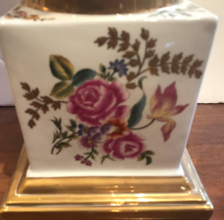 Large Pair of Hand-Painted Paris Style Porcelain Urns In Excellent Condition For Sale In Lambertville, NJ