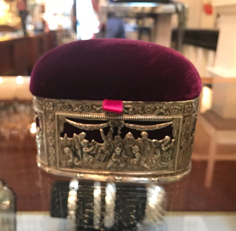 Continental Silver and Velvet Trinket Box In Excellent Condition For Sale In Lambertville, NJ