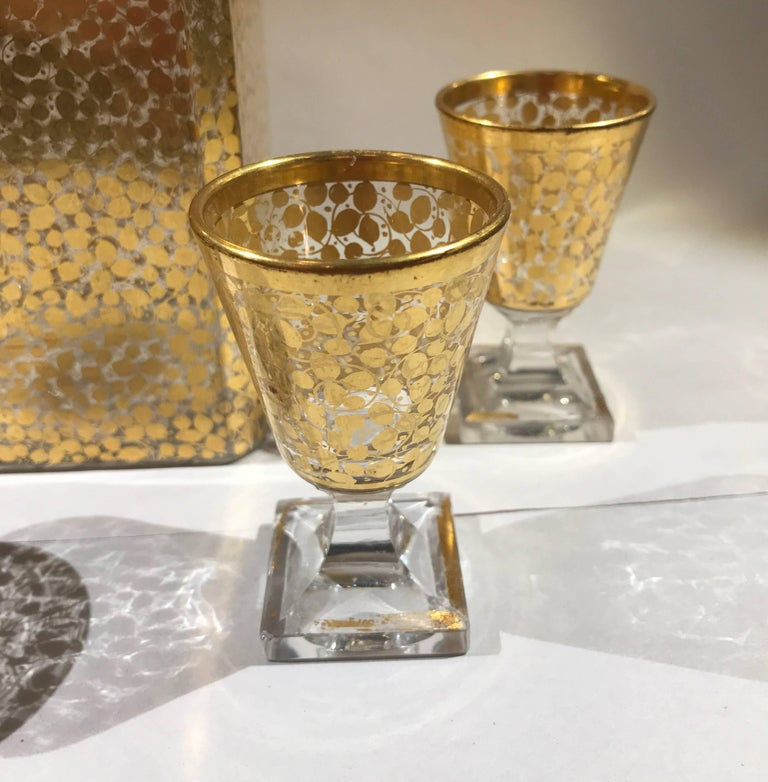 Baccarat Hand Gilt Decanter with Glasses In Excellent Condition For Sale In Lambertville, NJ