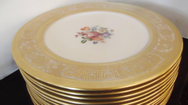 Elegant Gold Encrusted Floral Service Dinner Plates For Sale At 1stdibs