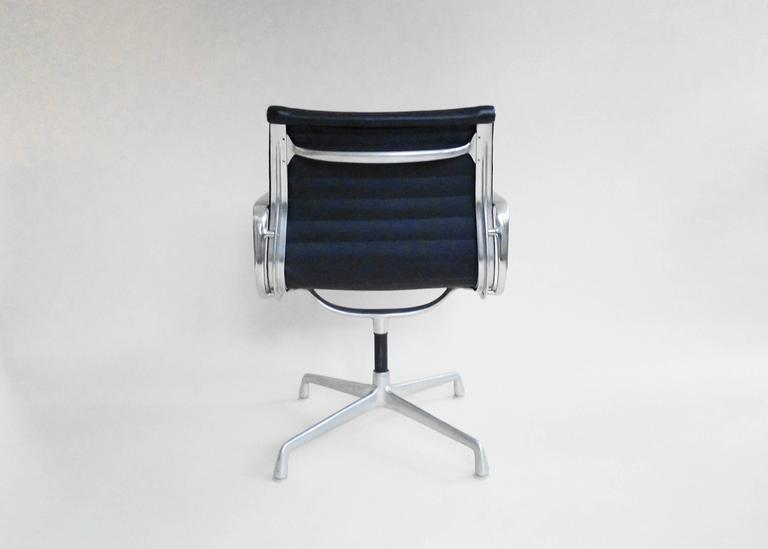 eames aluminum group office chairs with ribbed leather