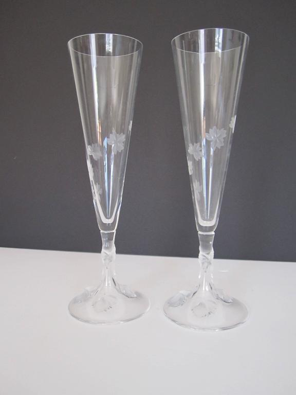 Beautiful vintage pair of signed lalique champagne flute glasses france for - Petite flute a champagne ...