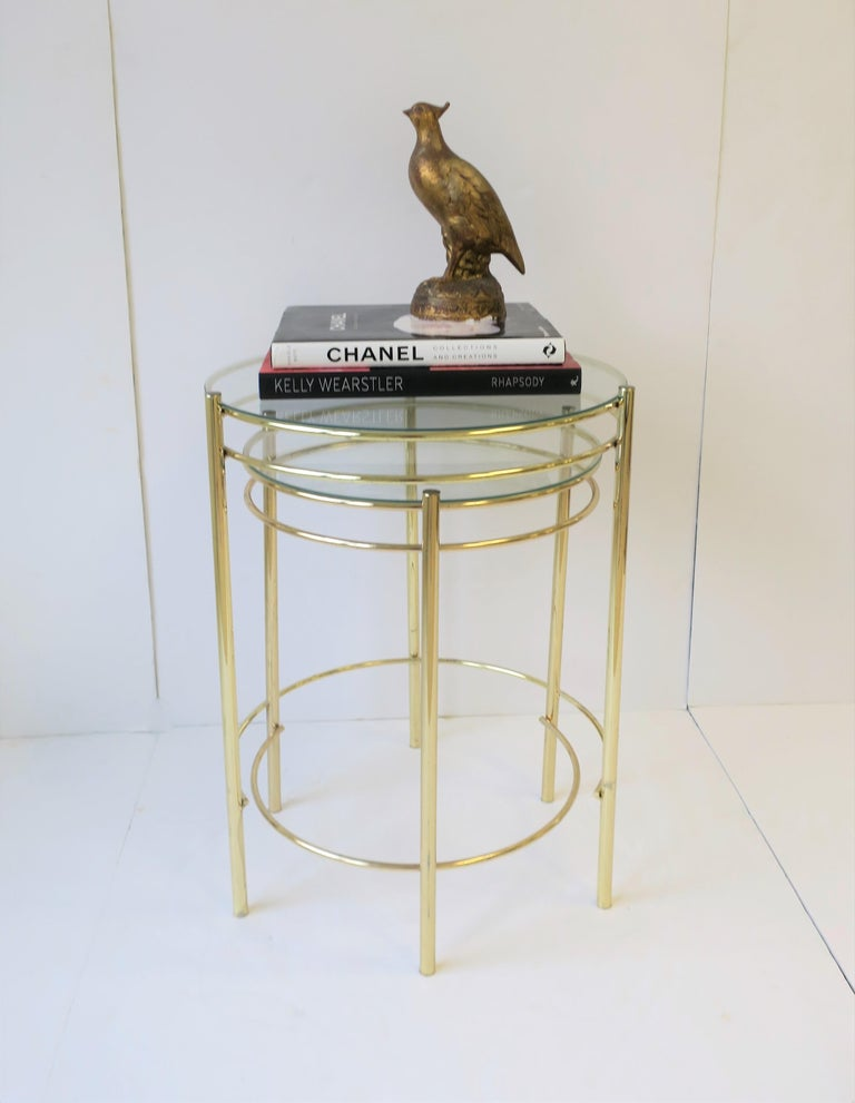 Set Round Brass and Glass Nesting End or Side Tables For Sale 2