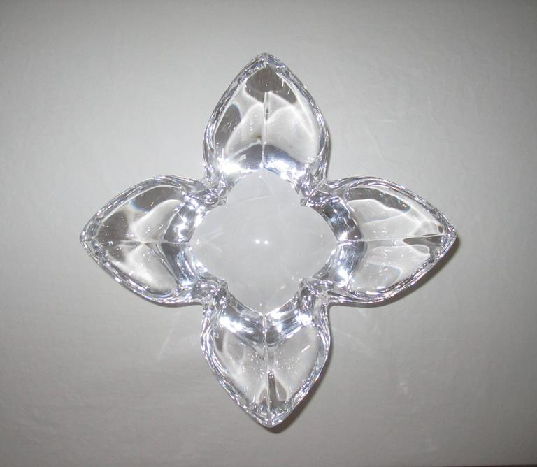 Scandinavian Modern Crystal Lotus Bowl by Designer Lars Hellsten In Good Condition For Sale In New York, NY