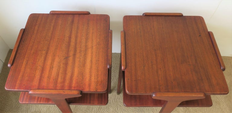 Pair Midcentury End or Night Stand Tables For Sale 5