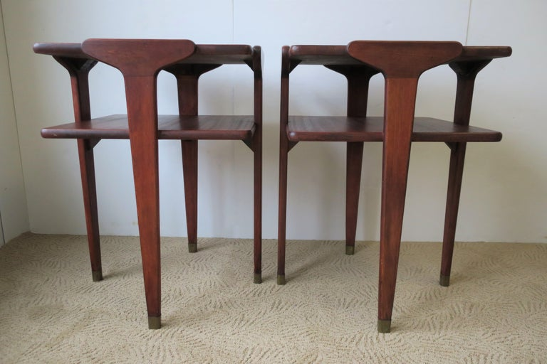 Pair Midcentury End or Night Stand Tables For Sale 1