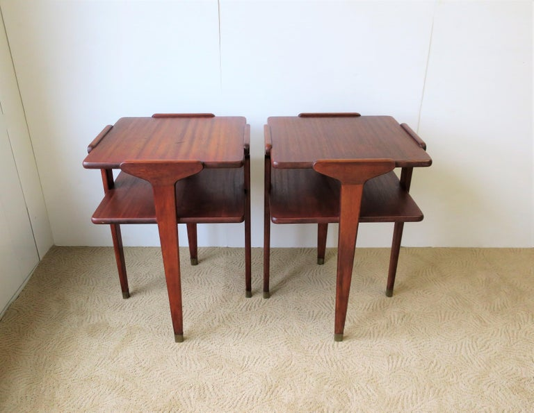 Pair Midcentury End or Night Stand Tables For Sale 3