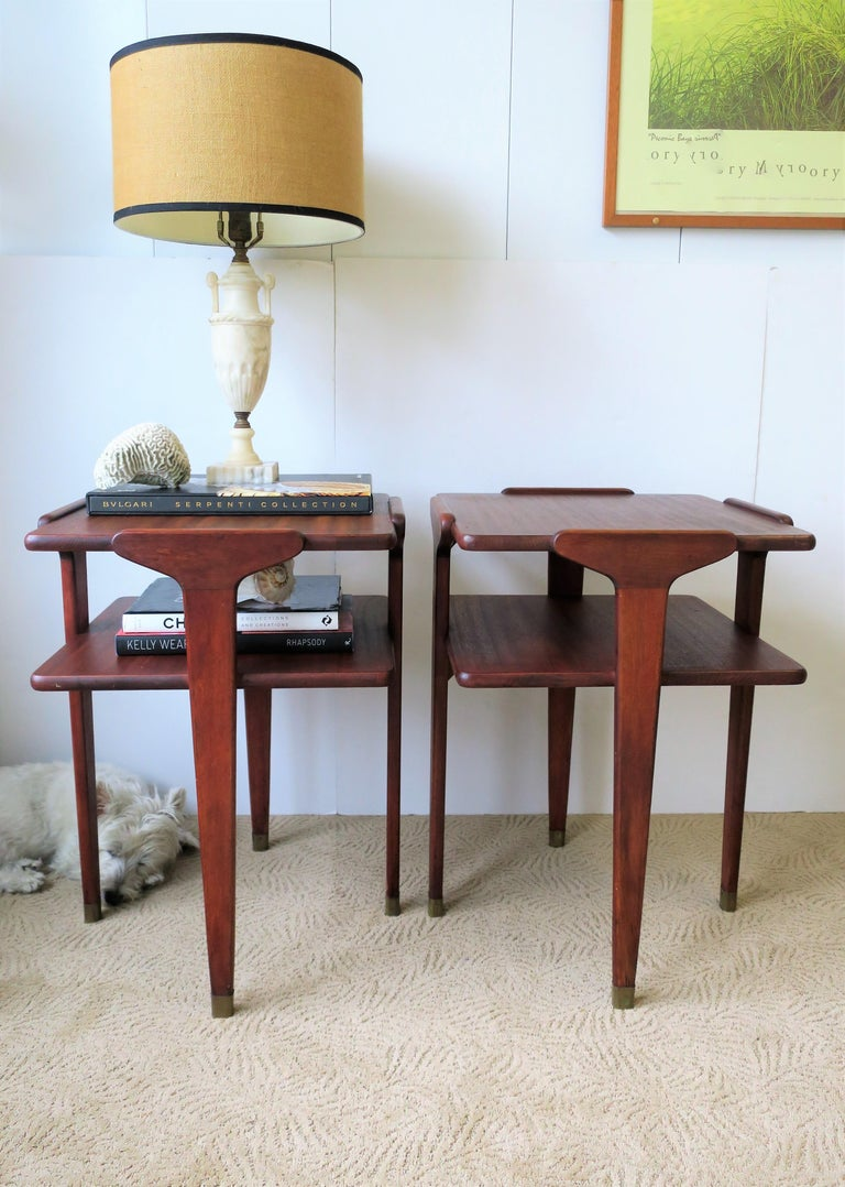 Pair Midcentury End or Night Stand Tables For Sale 7