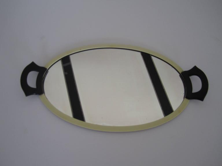 Oval French Art Deco Mirrored Vanity Tray In Good Condition For New York