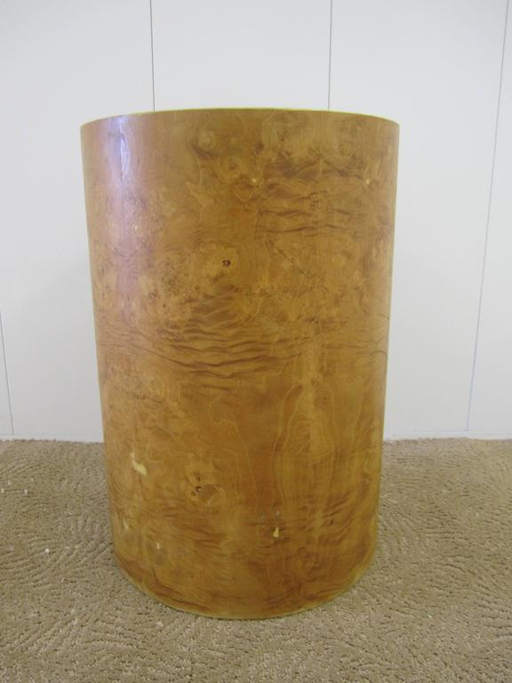 American Vintage Modern Round Burl Wood Pedestal Side Table in the Style of Milo Baughman For Sale