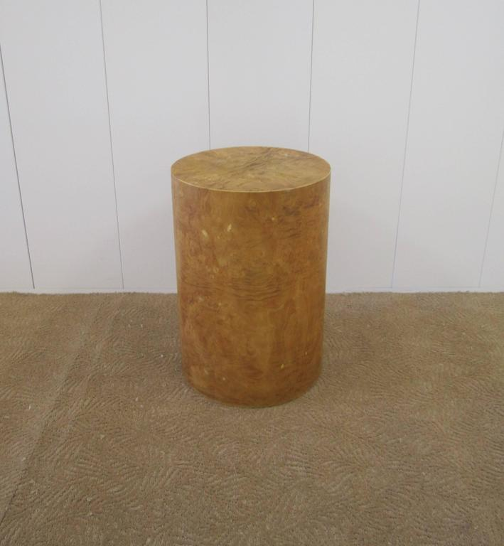 20th Century Vintage Modern Round Burl Wood Pedestal Side Table in the Style of Milo Baughman For Sale
