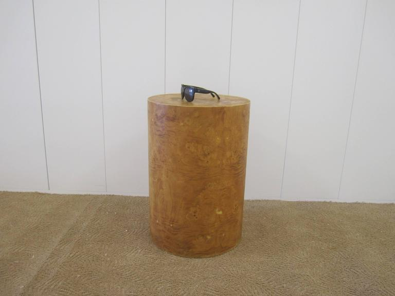 Vintage Modern Round Burl Wood Pedestal Side Table in the Style of Milo Baughman For Sale 2