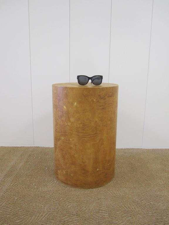 Vintage Modern Round Burl Wood Pedestal Side Table in the Style of Milo Baughman For Sale 3