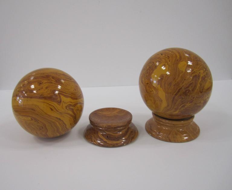 Italian Yellow Pottery Marbleized Decorative Spheres on Pedestal Bases In Excellent Condition For Sale In New York, NY