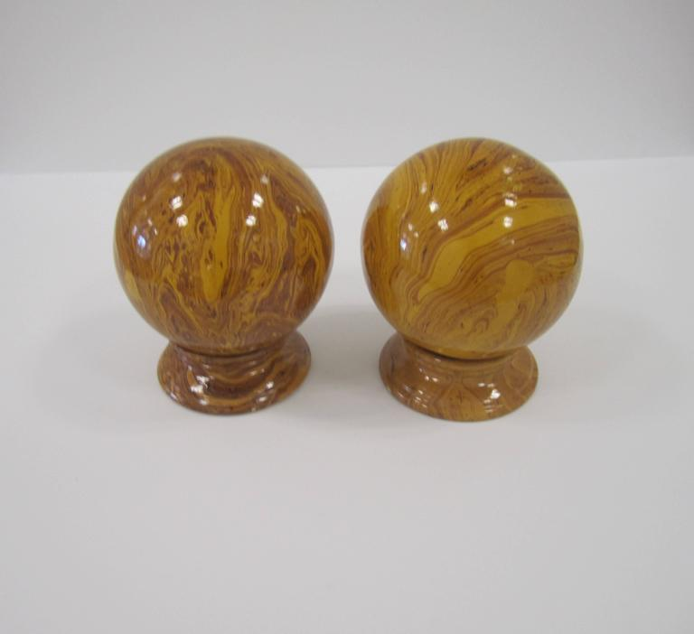 Italian Yellow Pottery Marbleized Decorative Spheres on Pedestal Bases For Sale 4