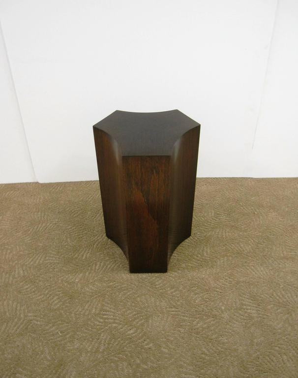 Elegant Vintage Geometric Pedestal Side Table In Excellent Condition For Sale In New York, NY