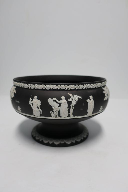 Black and white basalt wedgwood jasperware urn or