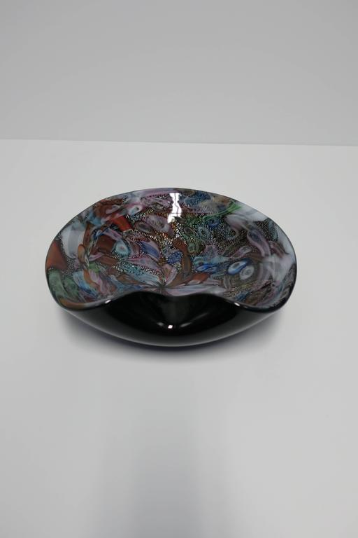 Black and Mulit-Colored Italian Murano Art Glass Bowl For Sale 2