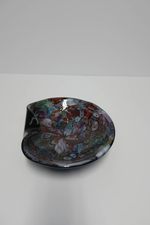 Black and Mulit-Colored Italian Murano Art Glass Bowl In Excellent Condition For Sale In New York, NY