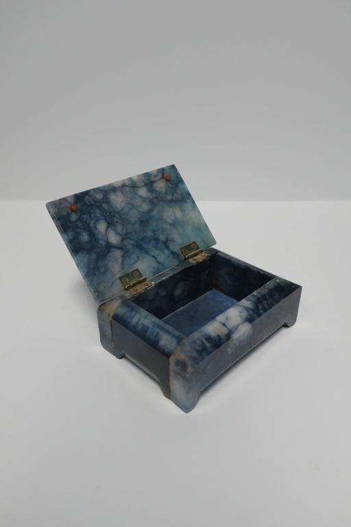 Blue and White Marble Carved Jewelry Box For Sale 4