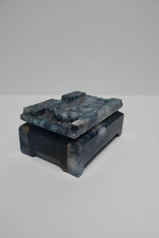 Blue and White Marble Carved Jewelry Box In Good Condition For Sale In New York, NY