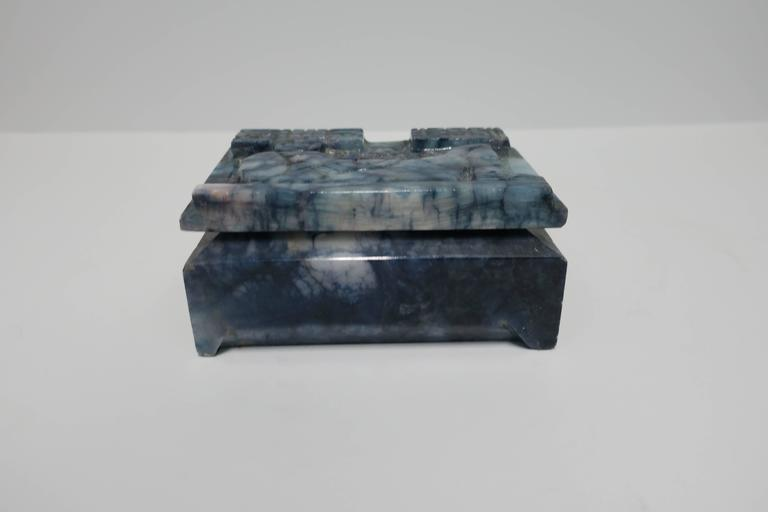 Blue and White Marble Carved Jewelry Box For Sale 2