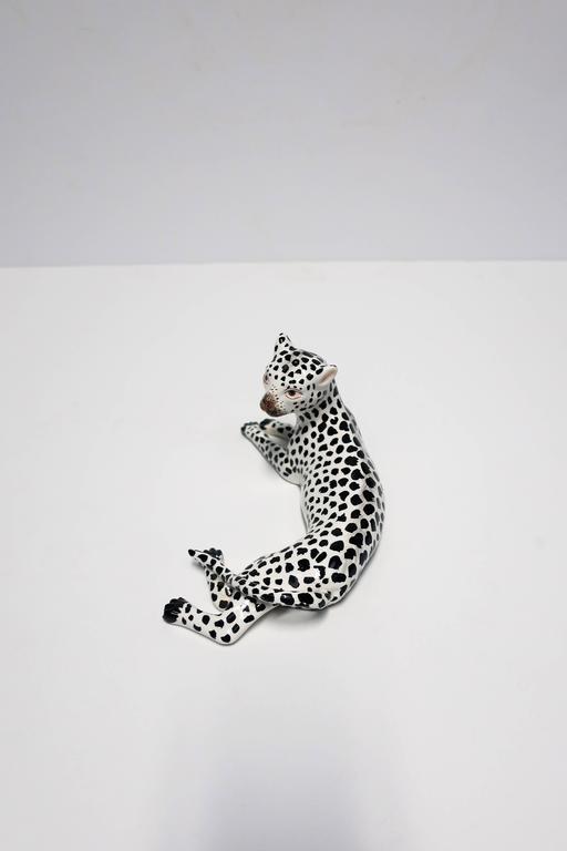 20th Century Italian Art Deco Black and White Cheetah Leopard Cat Sculpture For Sale