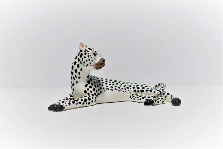 Italian Art Deco Black and White Cheetah Leopard Cat Sculpture In Excellent Condition For Sale In New York, NY