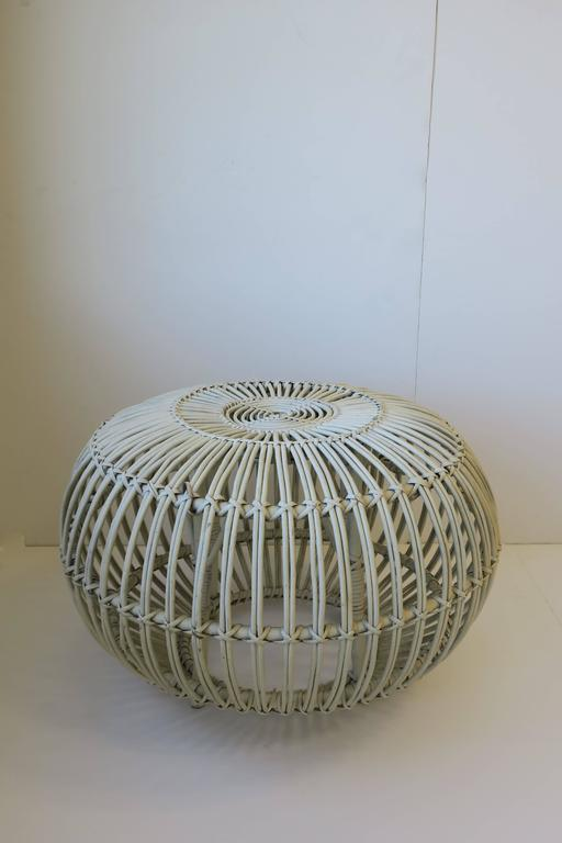 Mid-Century Modern Vintage Midcentury Round White Rattan Stool or Side Table by Franco Albini For Sale