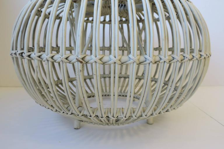 Vintage Midcentury Round White Rattan Stool or Side Table by Franco Albini For Sale 1
