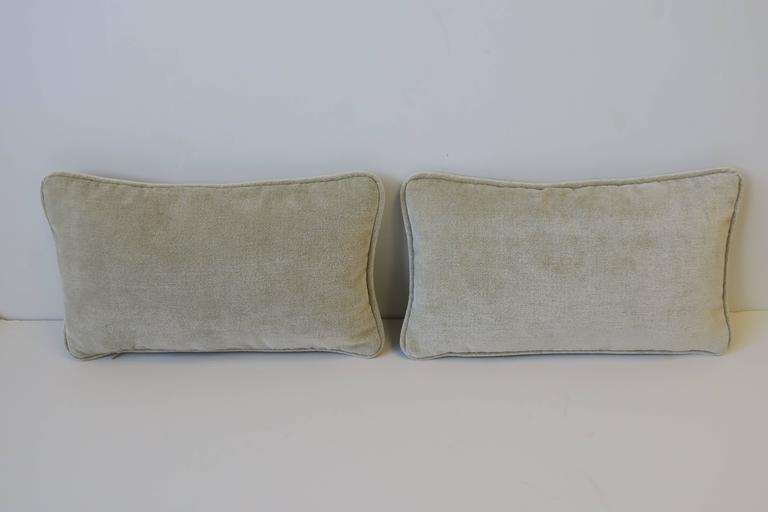 American Pair of Small Throw or Accent Pillows in Champagne For Sale