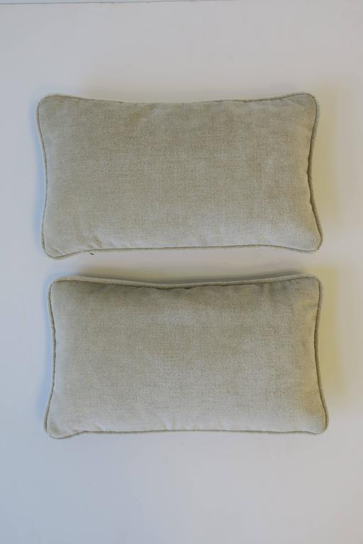 Contemporary Pair of Small Throw or Accent Pillows in Champagne For Sale