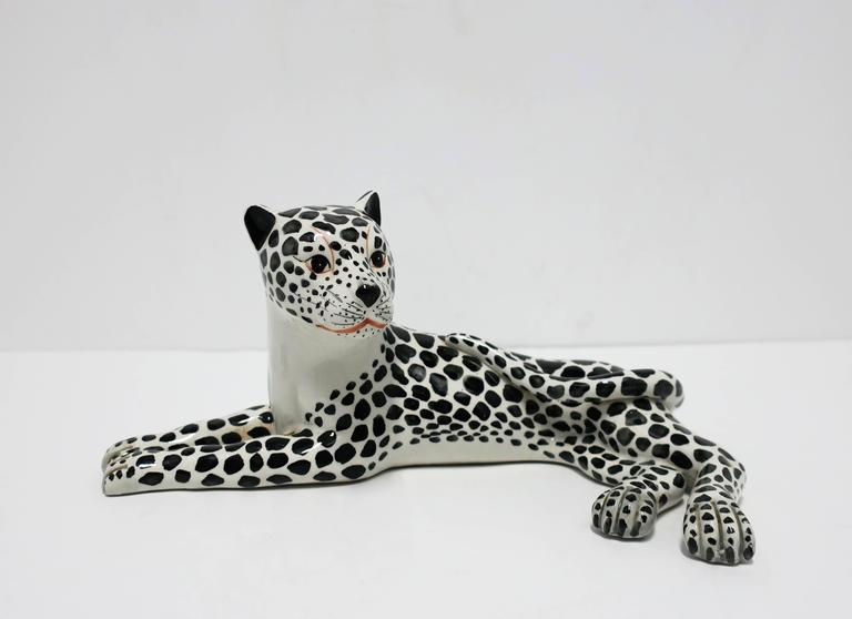 Late 20th Century Large Italian Art Deco Black and White Cheetah or Leopard Cat Sculpture For Sale