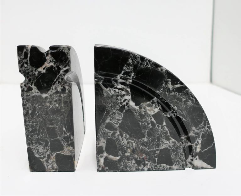 Pair Modern Black and White Marble Bookends, ca. 1970s For Sale 1