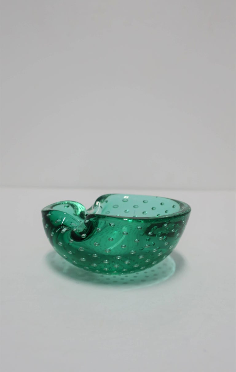 Beautiful Emerald Green Italian Murano Art Glass Bowl