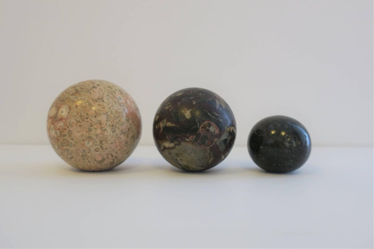 Late 20th Century Set of Vintage Modern Marble Stone Spheres, 1970s For Sale