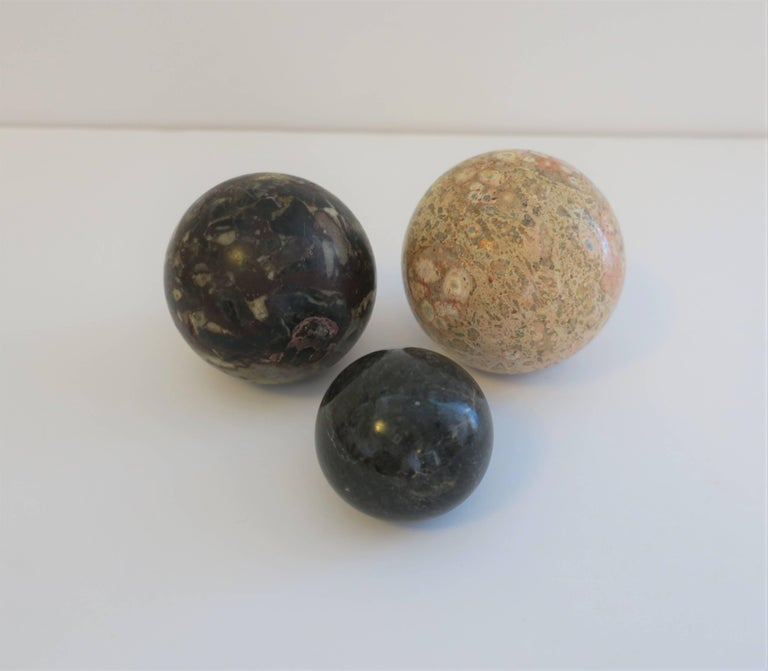 Set of Vintage Modern Marble Stone Spheres, 1970s For Sale 3
