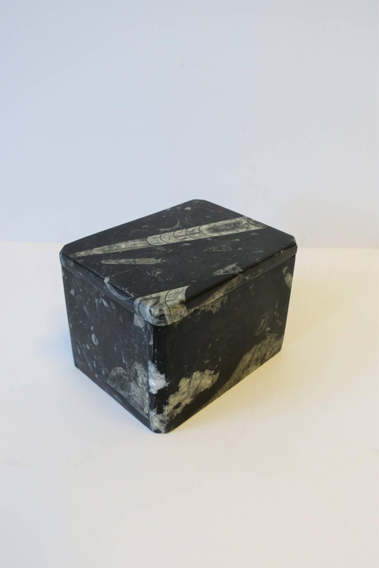 Modern Black and White Stone Jewelry Box For Sale 1