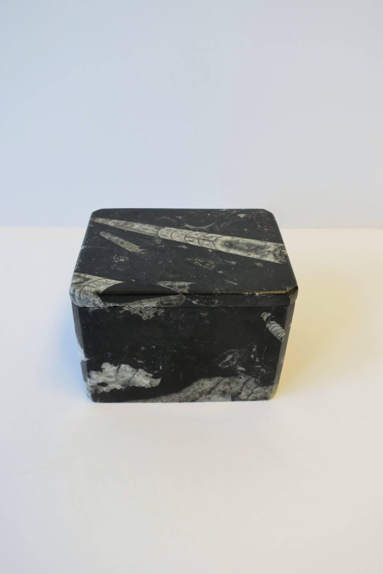 Modern Black and White Stone Jewelry Box For Sale 3