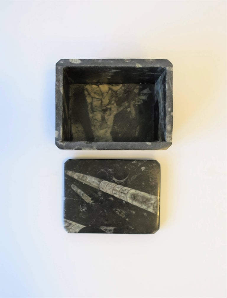 Modern Black and White Stone Jewelry Box For Sale 4