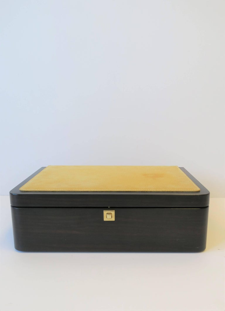 Modern Italian Leather Jewelry Box by Luxury Maker Ghiso For Sale